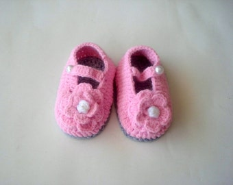 crochet baby shoes grey and pink, baby booties, flowered baby shoes, crochet baby booties 0-12 month baby, crochet baby shoes, baby shower