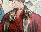 Beautiful Vintage Rhinestone Sunburst Earrings   Clip On   Costume Jewelry   Gold Tone