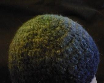 Graded blues crochet cap