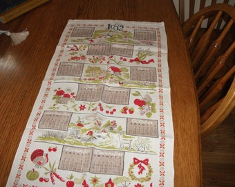 Vintage, 1962 kitchen towel, decorative CALENDER, done in red, apple green, tan, and black.