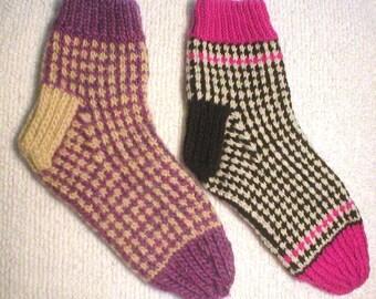 Knitting Pattern-Honeycomb Tweed Socks, knit slip stitch women's socks pattern, Kraemer Yarns, Mauch Chunky, Naturally Nazareth, PDF pattern