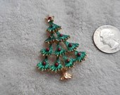 Vintage Glittery Christmas Tree Pin P3998