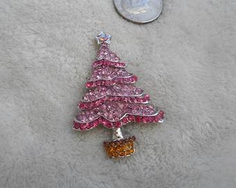 Stunning Rhinestone Christmas Tree Pin- P4025