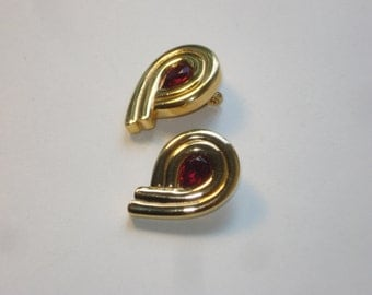 Monet Earrings in Gold and Red - Vintage Costume Jewelry  - Retro Gold Tone