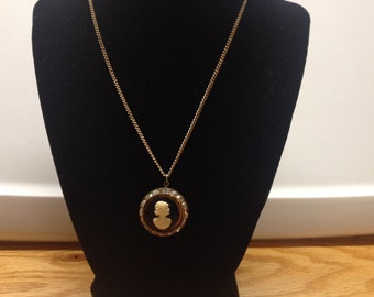 Vintage Goldtone Design Necklace with Cameo and RhinestonePendant