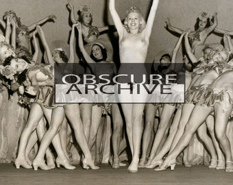 DELLA CARROLL - 1930's Burlesque Star performing her scandalous Rose Dance - B&W Photograph