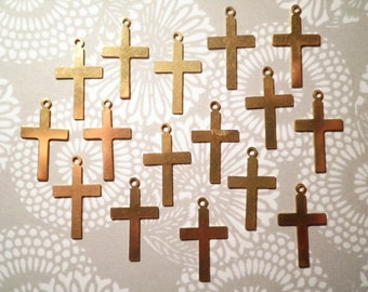 16 Vintage Brass 21mm Crosses