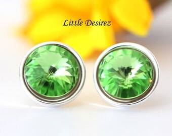 Light Green Earrings Swarovski Rivoli Peridot Crystal Post Earrings Pastel Green Earrings Stud Earrings Sterling Silver Pale Green PD34