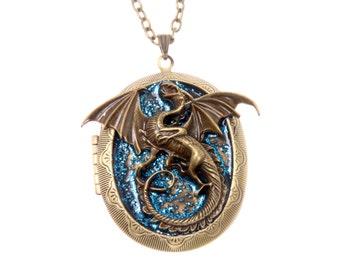 Necklace Medallion Photo Dragon Vintage