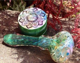 Set: Crystal Aqua Blue Spiral Twist Tobacco Glass Smoking Pipe & Accented Flower Chrome Grinder