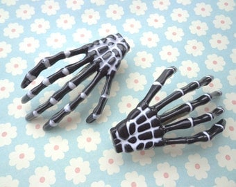 SALE--30 pcs skeleton hand hair clips