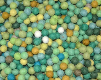 500pcs Greenish Colors Felt Balls (1.5cm)