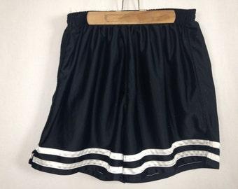 plain black white shorts size L