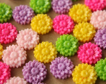 CLOSEOUT - 30 pc. Multi-Colored Daisy Cabochons 14mm | RES-517