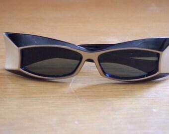 Ultra Mod Women's Vintage 1960s Sunglasses