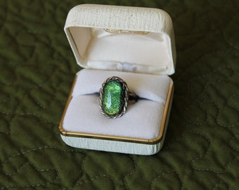 Amazing Glistening Sterling Silver Ring Size 6