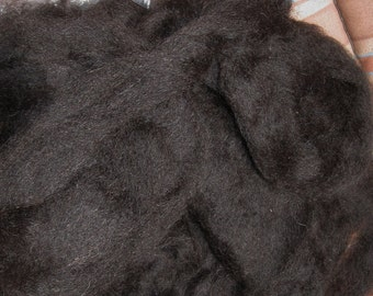 Very black alpaca/BFL roving 1 oz.
