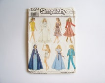 """Barbie Clothes Pattern Simplicity 8333: Wardrobe Patterns for 11 1/2"""" and 12 1/2"""" Dolls (Barbie and Darci), Doll Sewing Pattern"""