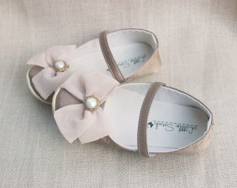 Baby Shoes Flower Girl Shoes Gold Wedding Shoes Baby Booties Newborn Shoes Crib Shoes Toddler Shoes