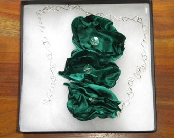 Green satin flower necklace