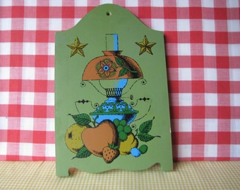 Vintage Wood Cutting Board - Hand Painted - Early American - Kitsch Decor - 1970's