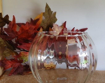 large glass bowl. centerpiece, Vintage display. tabletop decor, fall tabletop, collectable glass