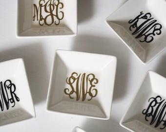 Ring Holder Dish – Customizable Colors – Monogrammed Wedding Ring Holder