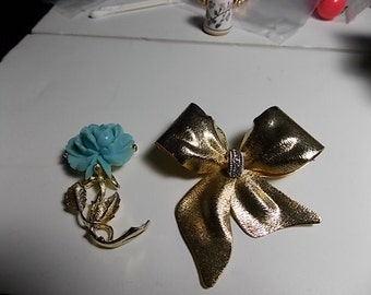 Two Vintage Brooch, Flower and Bow