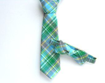 Boys bow tie, toddler neck tie, ties for kids, boys photo prop, green plaid bow tie, baby tie, mens bow tie, baby shower gift boy