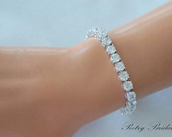 Crystal Bridal Bracelet, Bridal tennis bracelet crystal, Wedding Jewelry, Plus Size Bracelet, Wedding Bracelet, Bridesmaid Bracelet