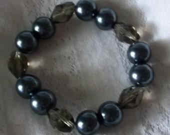 Gunmetal Pearl Bracelet