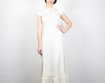 Vintage 70s Dress Cream Ivory Red Floral Embroidered Hippie Dress 1970s Dress Maxi Dress Ruffle Hippie Wedding Dress Boho Sundress M L Large