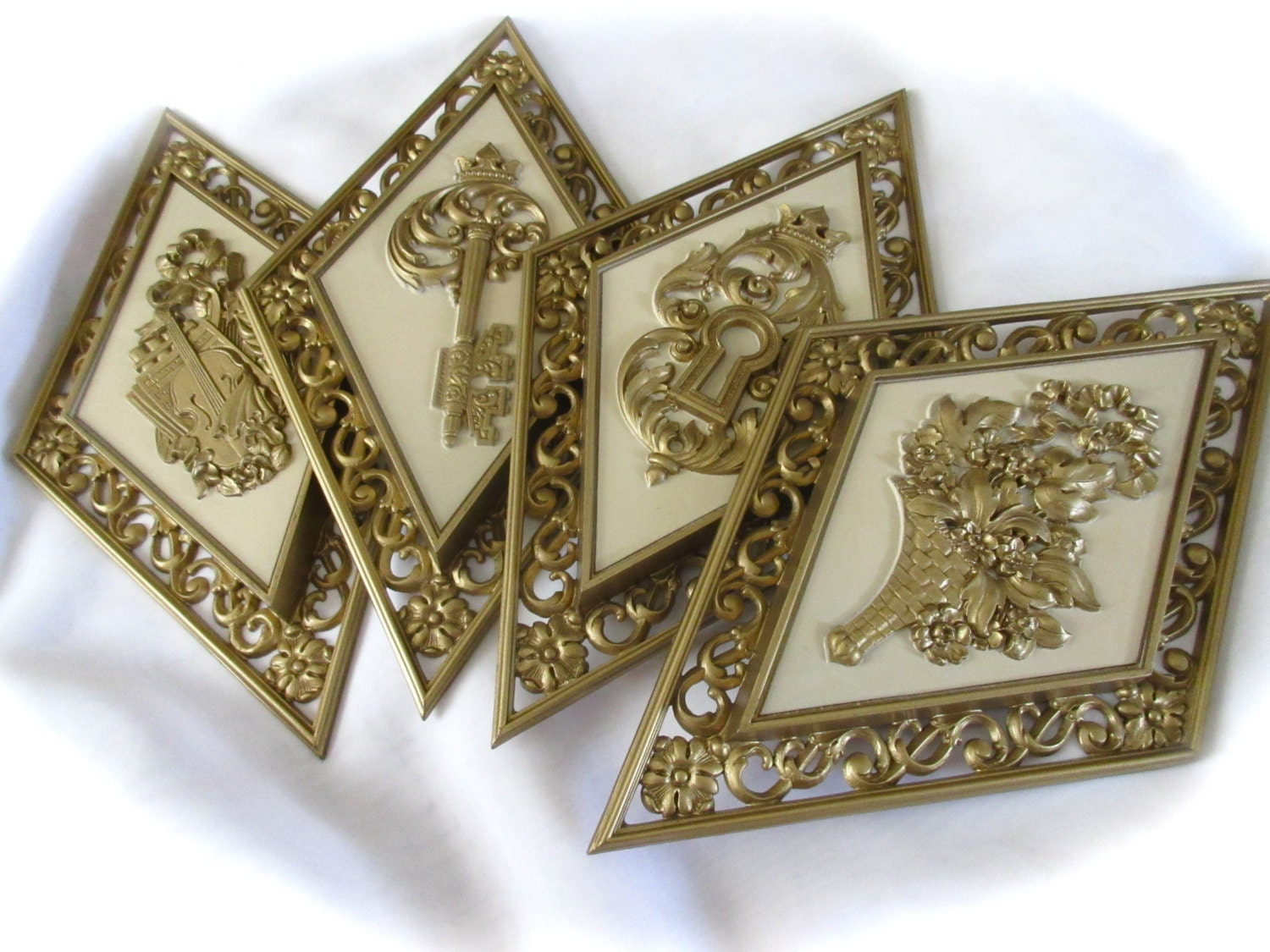 Vintage syroco hollywood regency diamond shape wall plaques for Hollywood regency wall decor