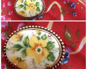 Vintage floral brooch