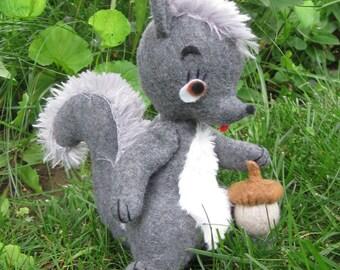 Felt Squirrel:  Shirley Squirrel