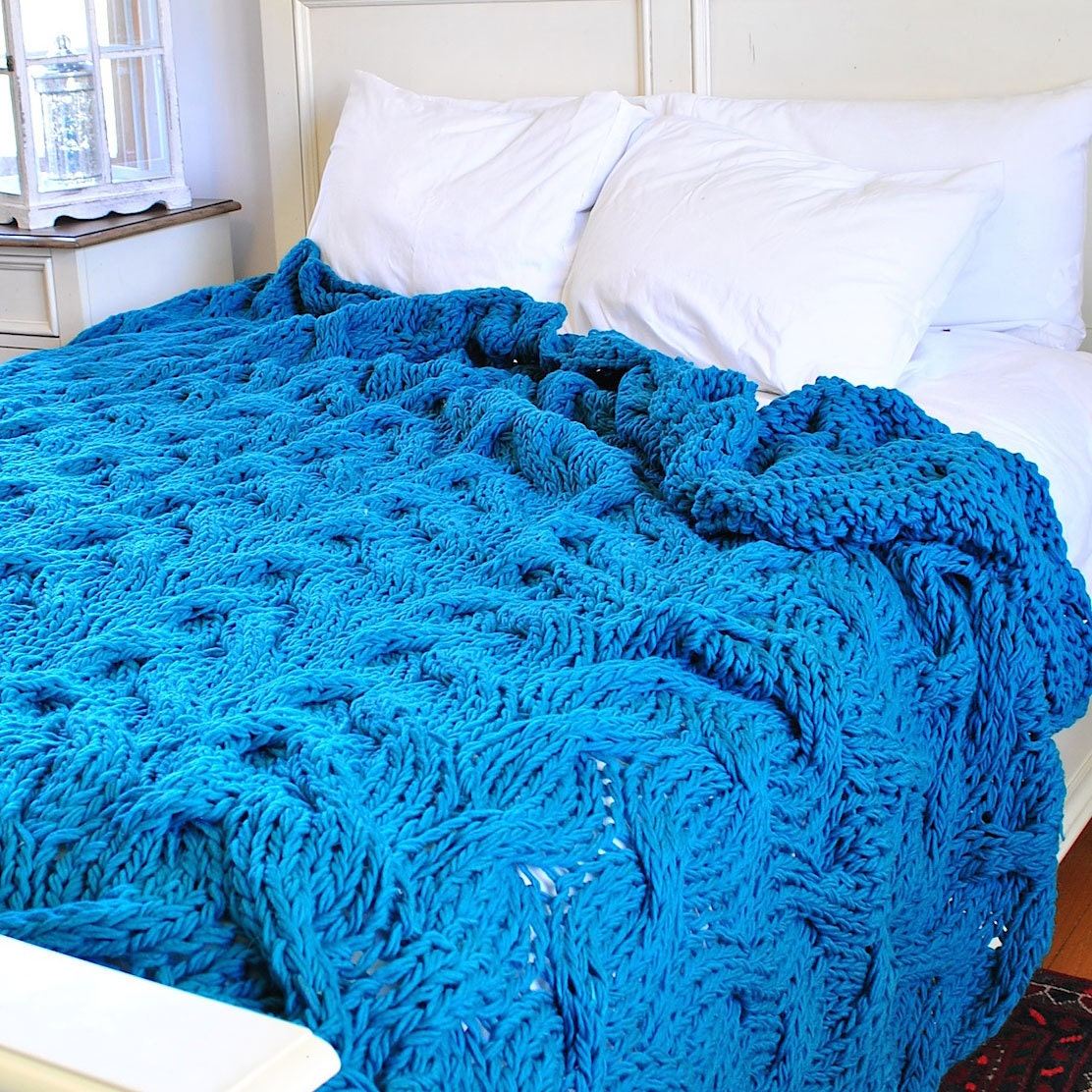 In Stock Queen Size Chunky Cable Knit Blanket In Dark