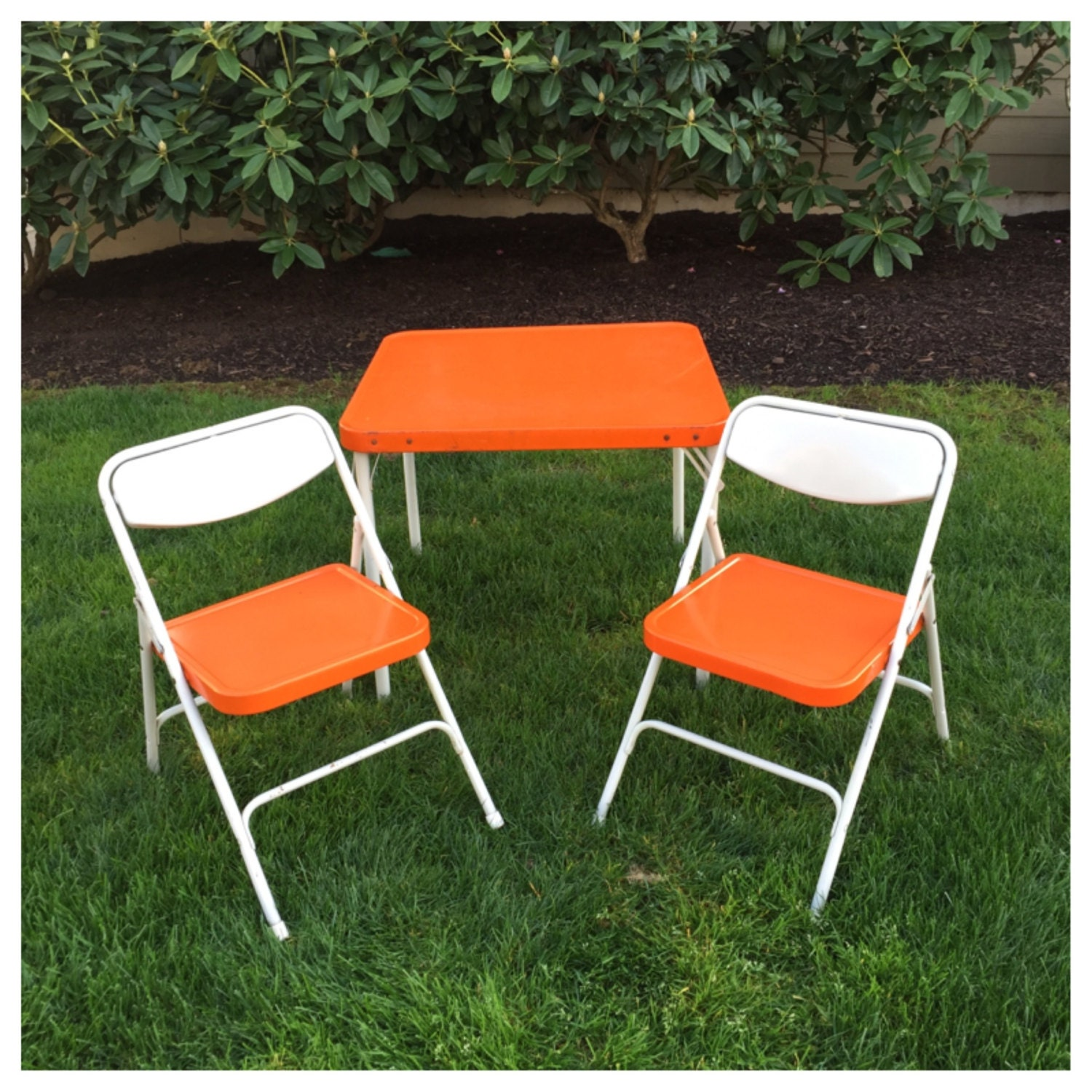 vintage orange samsonite child s table chairs folding table and two chairs mid century. Black Bedroom Furniture Sets. Home Design Ideas