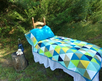 Modern Triangle Toddler Quilt in Garden Shades Mix, Modern Blue and Green Toddler Boys Quilt, Custom Modern Triangle Quilt, MADE TO ORDER