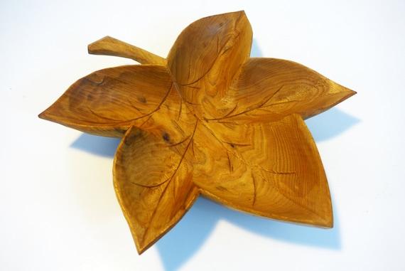 Vintage maple leaf shaped wood wooden carved bowl