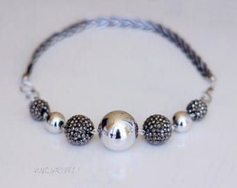 Light necklace with big beads/Silver and black necklace