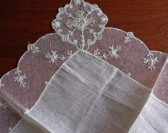 Vintage Linen and Tambour Lace Wedding Hankie Celebrities Tag Swiss Made in Switzerland