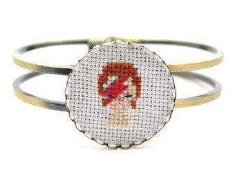 David Bowie bracelet David Bowie jewelry Aladdin Sane bracelet Album cover Miniature portrait Embroidery jewelry Cross stitch jewelry