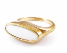 Avon Gold Tone and Ivory Mother of Pearl Ring - Size 7