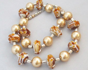 Lampwork Necklace, Gold Pearl Jewellery, Caramel Beaded Necklace, Birthday Gift, Gift for Her, Anniversary Gift