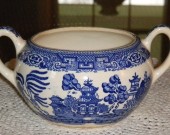 Blue Willow, Blue Willow China, Blue and White China, Blue Transferware, Asian Chinoiserie, Mid Century China, 1940's Kitchenware