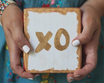 "Hand painted woodblock wall or tabletop art // ""XO"""