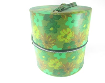 Hat box luggage, Round Suitcase, Mid Century Luggage, photo prop,groovy,flower power,Travel Bag, make up bag,1950-60,green
