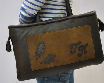 Vintage HANDMADE leather baf to carry you small dog ....