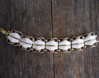 Retro White and Gold Bracelet