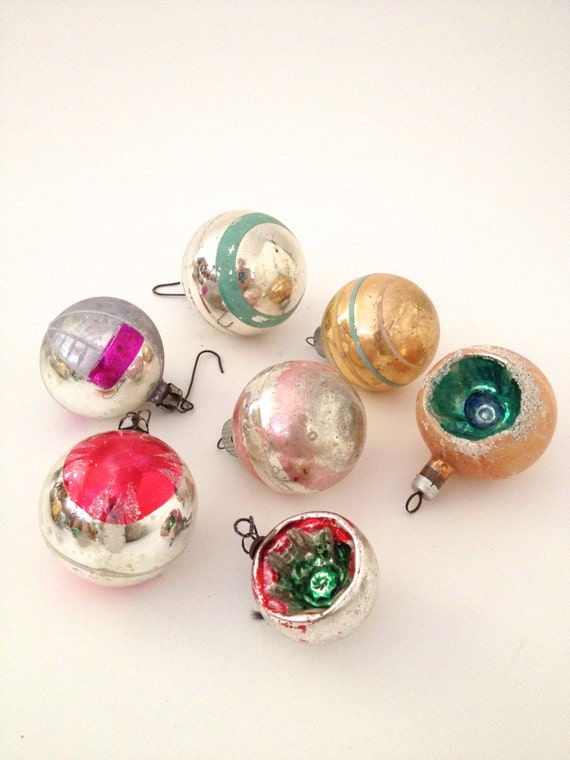 Vintage christmas ornament collection seven various frosted for Collecting vintage christmas ornaments
